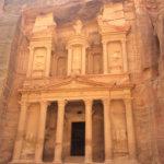 [働く動物] ヨルダン、ペトラ遺跡ではロバやラバ、ラクダが大活躍