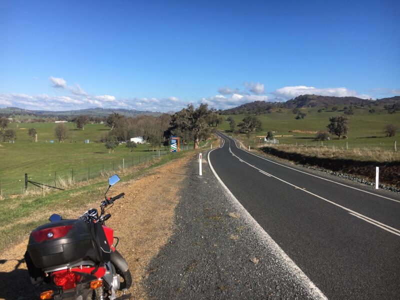 【ツーリング】オーストラリアでバイクを乗り回せ!購入法や駐車場、バイク事情をご紹介。
